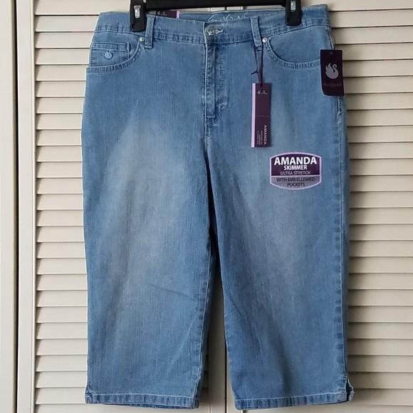 74a41eef46fe6 NWT Amanda GV Capri Crop Denim Blue Jean Size 12. NWT. Gloria Vanderbilt